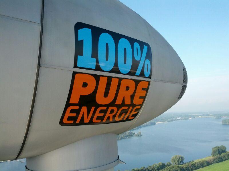 Pure Energie windmolens belettering in de Europoort