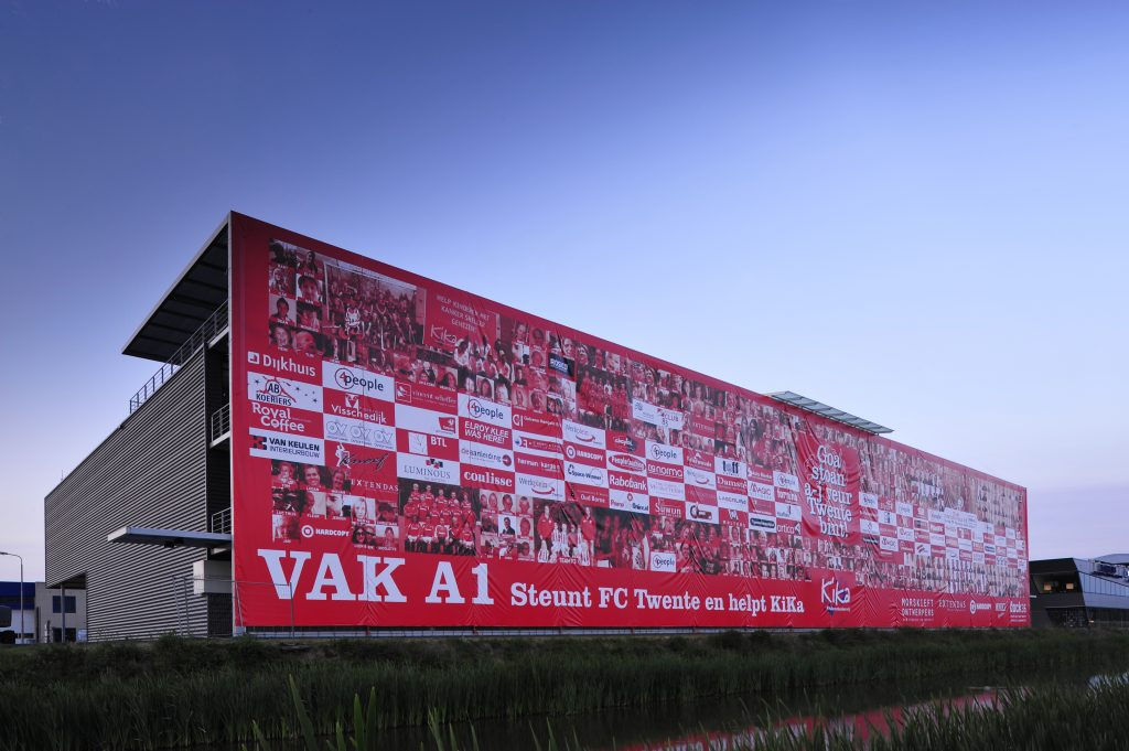 Mondice Levert Megabanner 80,7 x 15 meter Vak A1